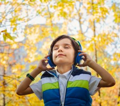 trådlösa hörlurar barn