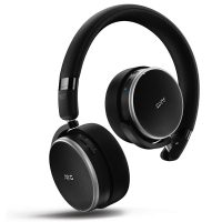 AKG N60NC over ear hörlurar